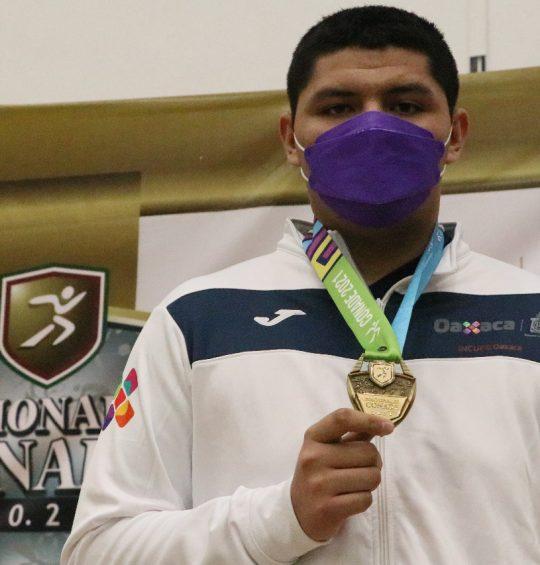 Oaxaqueño se cuelga la medalla de oro en  judo, a quedar invicto en su categoría