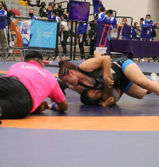 Luchadoras oaxaqueñas ganan medallas en los Juegos Nacionales Conade